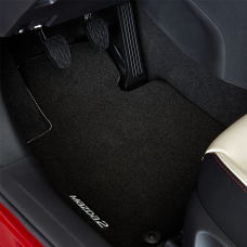 Mazda2 - Vloermatset luxe logo zwart - vanaf 2015